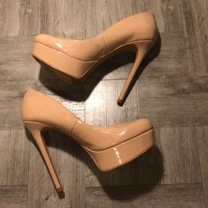 JESSICA SIMPSON HEELS 👠 WOMANS SIZE 7 M